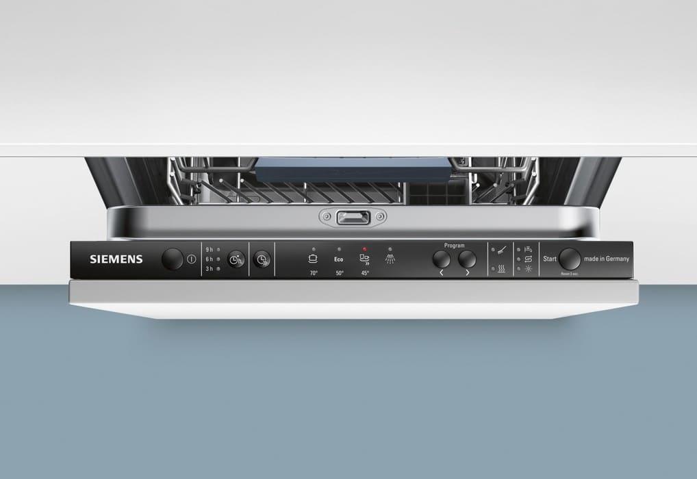 Панель управления посудомоечной машины