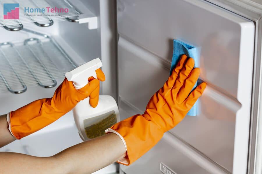 чем помыть холодильник