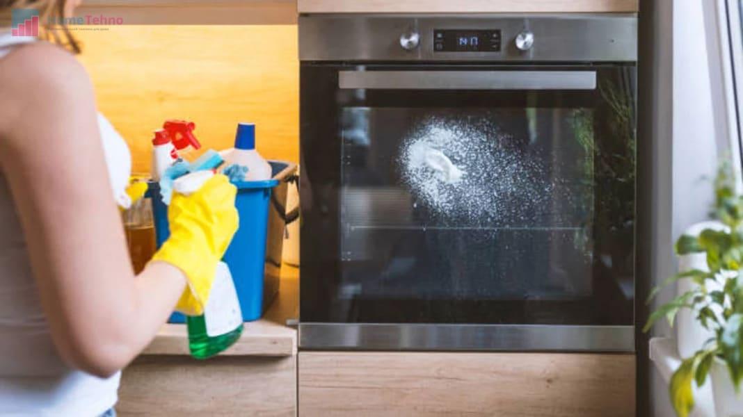 чистим духовку нашатырем и содой