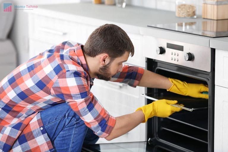 интересный способ чистки духовки дома