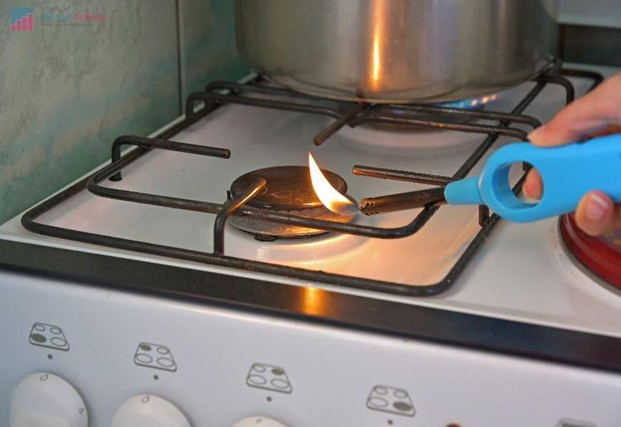что делать если не зажигается конфорка в газовой плите