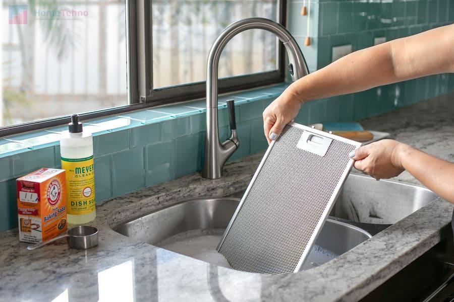 почистить вытяжку с помощью лимонной кислоты